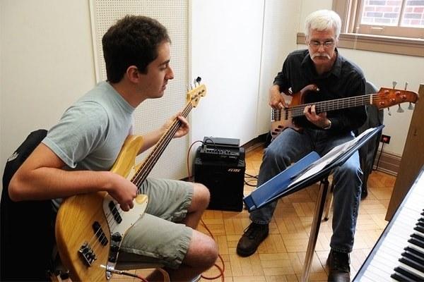آموزش موسیقی- آموزشگاه هنر ایران زمین