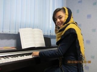 http://honareiranzamin.com/Uploaded/Gallery/Images/20120219/13473048.jpg